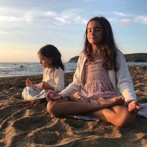 Atelier dell'immaginario - Yoga e arte per bambini con Francesca Ramirez e Nathalie Perron